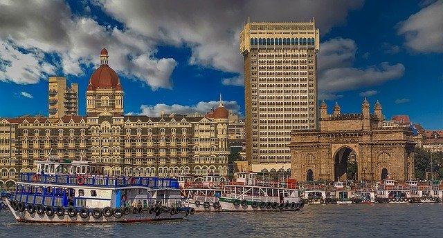 Pune to Mumbai Cab service